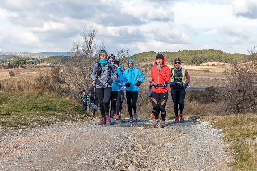 girly-trail-session-sigean-vibrez-montagne-1